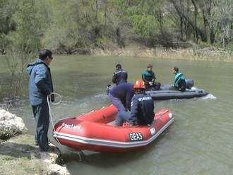 Los GEOs rescatadn el cuerpo de un hombre ahogado en el río Henares