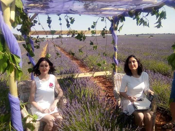 Las Hermanas Lara, las escritoras elegidas en el Festival de la Lavanda