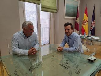 José Luis Vega recibe al presidente de ToroMundial
