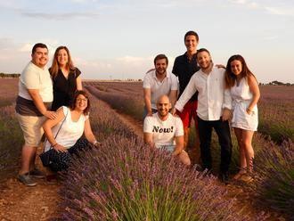 Nuevas Generaciones visita en la Alcarria los turísticos campos de lavanda