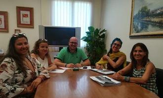 El Ayuntamiento de Yunquera se reúne con Unicef para interesarse por el sello 'Ciudad Amiga de la Infancia'
