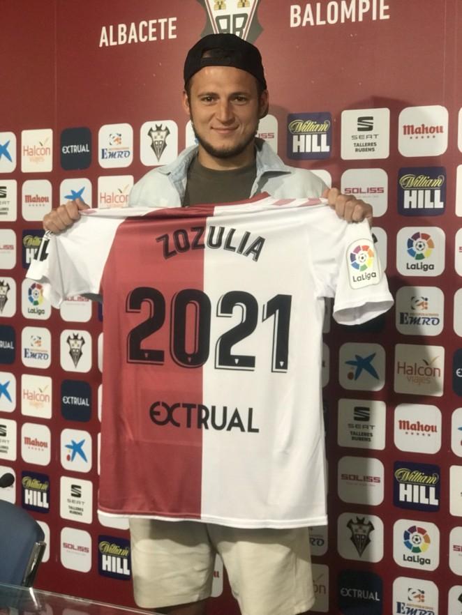 """Zozulia: """"Tengo una cuenta pendiente con el Alba y su afición: no podía irme"""""""