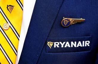 Ryanair anuncia el despido de 500 pilotos y 400 asistentes antes de que termine el año
