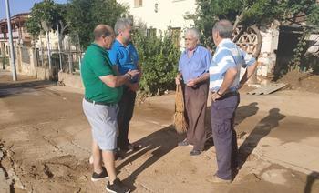 Alfonso Esteban comprueba los daños ocasionados en el municipio de Tórtola de Henares tras la fuerte tormenta registrada ayer
