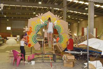 El recorrido del Desfile de Carrozas de Azuqueca volverá a tener vallas y más gradas