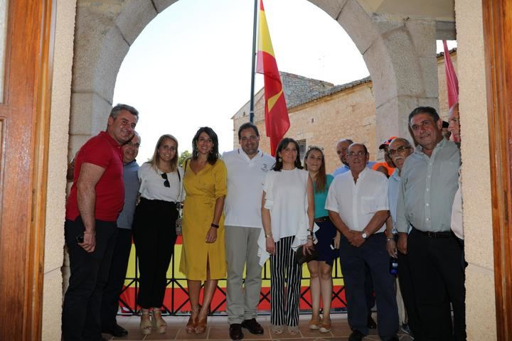 Paco Núñez da el pistoletazo de salida en las fiestas patronales del municipio de Escariche en Guadalajara