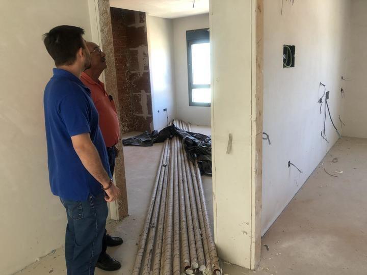 Pérez Osma comprueba el lamentable estado de la Residencia de Mayores de Beteta y exige a la Diputación y a la Junta de Comunidades que terminen su construcción