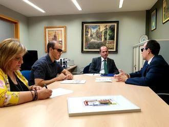 El Ayuntamiento de Guadalajara trabajará para hacer más accesible el Teatro Buero Vallejo a personas con discapacidad visual