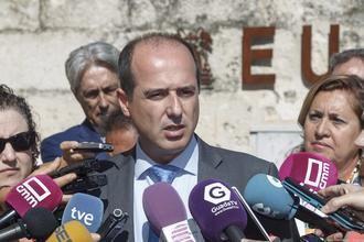 Alberto Rojo creará una mesa técnica de trabajo para coordinar todas las medidas dirigidas al entorno del nuevo campus