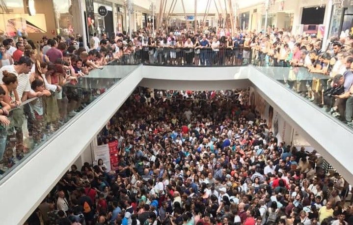 Tres mil personas acuden a la apertura de la primera tienda AliExpress en Europa...y está en Madrid