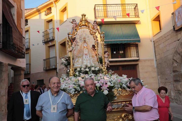 Almonacid de Zorita vivió ayer el día grande de su fiesta patronal en honor a la Virgen de la Luz