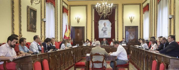 El pleno del Ayuntamiento de Guadalajara da luz verde al voto telemático para conciliar vida familiar y laboral