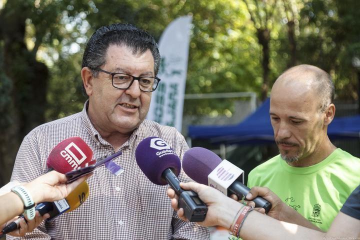"""El concejal de Deportes anuncia una """"relación fructífera"""" con el Club Canicross Guadalajara"""