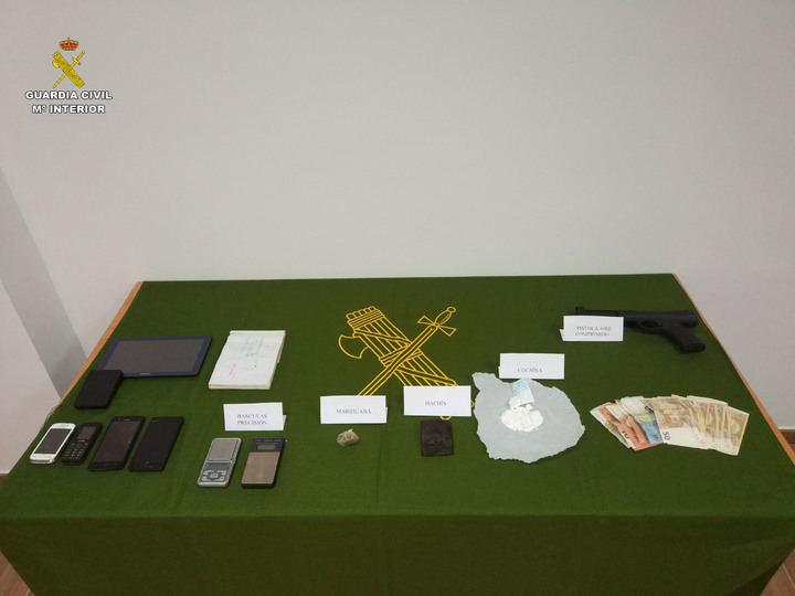 La Guardia Civil desarticula un punto de venta de drogas en la localidad de Honrubia