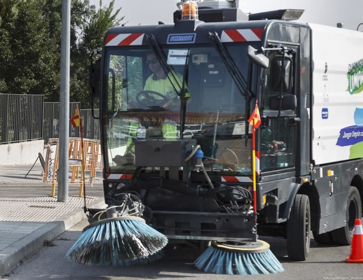 Los servicios de limpieza contarán con 50 operarios más en las Ferias y Fiestas de Guadalajara