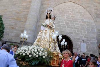 Pareja celebra este 8 de septiembre el día de la Virgen de los Remedios