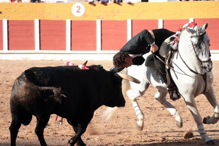 Corrida de Rejones ayer Jueves de Feria en el Coso de Las Cruces de Guadalajara. Foto : EDUARDO BONILLA
