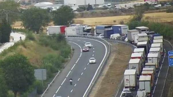 Cinco heridos por un choque múltiple de cuatro camiones y un turismo en la A-2 a su paso por Guadalajara