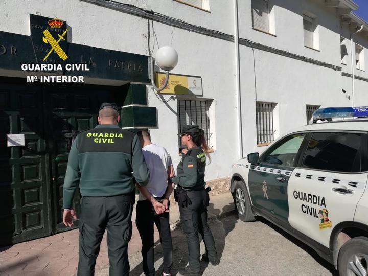 La Guardia Civil detiene a una persona en Torija por robo en áreas de servicio de la A2