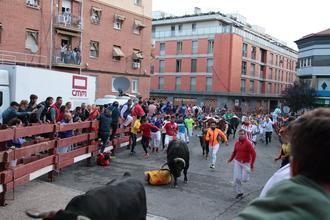 Tres heridos leves por puntazos y varetazos de toro en el Tercer Encierro de Guadalajara y seis heridos por el toro...de fuego