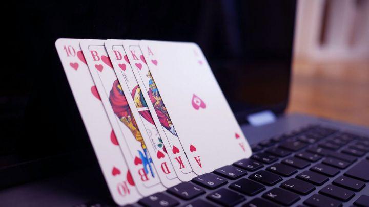Tendencias en el mundo en línea: juegos, películas, música