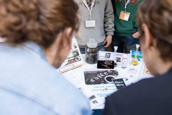UN APLAUSO : El Colegio Agustinos Recoletos de Guadalajara pasa a la semifinal del II Certamen Tecnológico Efigy de Fundación Naturgy