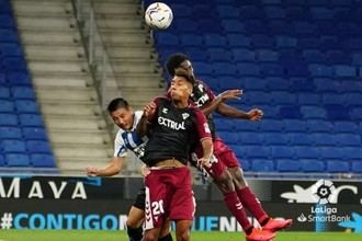 NO PUDO SER : La primera parte penaliza al Alba en su debut