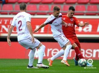 Un gol de rebote condena al Alba, el cuadro blanco cayó por la mínima en Soria en un partido muy igualado