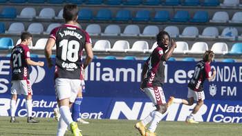 El Alba se lleva los tres puntos de El Toralín