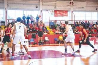 Salida complicada para el Isover Basket Azuqueca