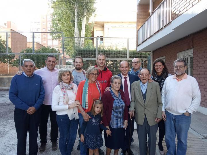 Alberto Rojo felicita a Víctor Torrecilla en su cien cumpleaños