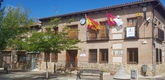 El alcalde de Fontanar decide gastar más en su liberación y en la de uno de sus concejales mientras que en el Ayuntamiento no hay personal para atender a los vecinos