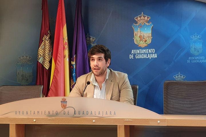 """Alguacil: """"El alcalde debe exigir a Page medios en cantidad y calidad para los sanitarios de Guadalajara"""""""