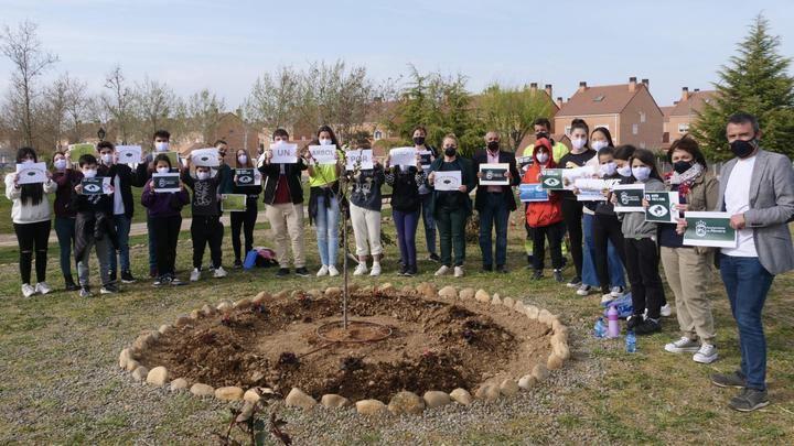 Alovera se suma al compromiso 'Un árbol por Europa' con su consejo de infancia y adolescencia.