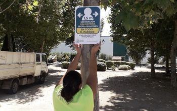 El Ayuntamiento de Alovera despliega una señalización especial por la Covid19 en todo el municipio