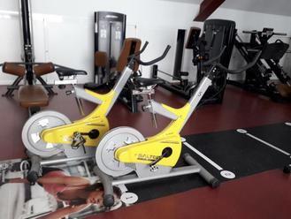 Alovera cederá a deportistas locales para sus entrenamientos en casa material deportivo municipal