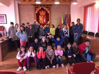 Alumnos de 4º de Primaria de Yunquera de Henares conocen cómo funciona el Ayuntamiento