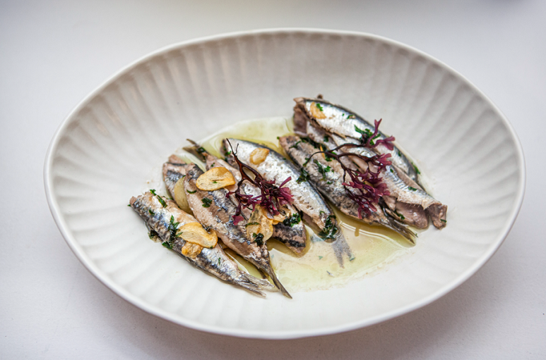 Aitatxu describe los beneficios y propiedades de las anchoas