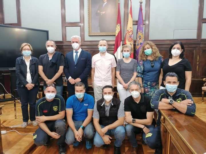 La Diputación de Guadalajara rinde homenaje a Antonio Santaolalla, un cuarto de sigo al servicio de la Institución
