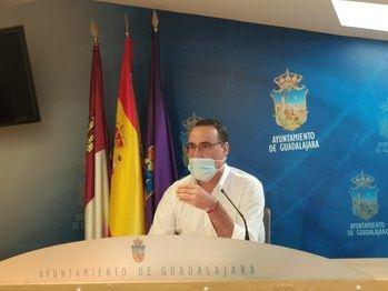 Vox sugiere elaborar una ordenanza que regule el patrocinio de actividades deportivas, culturales y sociales en Guadalajara