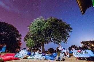 AstroGuada recomienda este año disfrutar de la lluvia de las Perseidas en familia y con seguridad