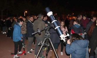 Pasión por las estrellas en la Plaza del Pueblo de Cabanillas