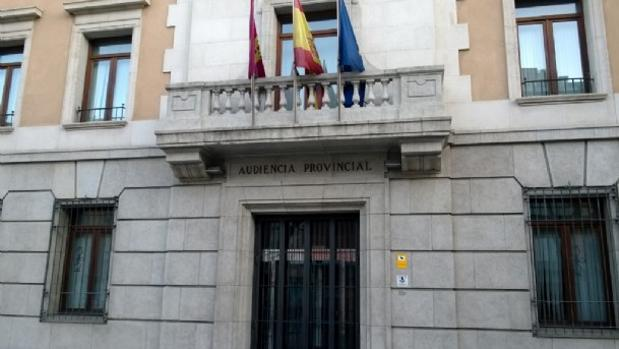 Condenado a más de 26 años de cárcel por degollar a su mujer en Azuqueca de Henares