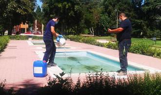 Comienza a aplicarse el tratamiento anual de control de Legionella en las fuentes ornamentales de Azuqueca