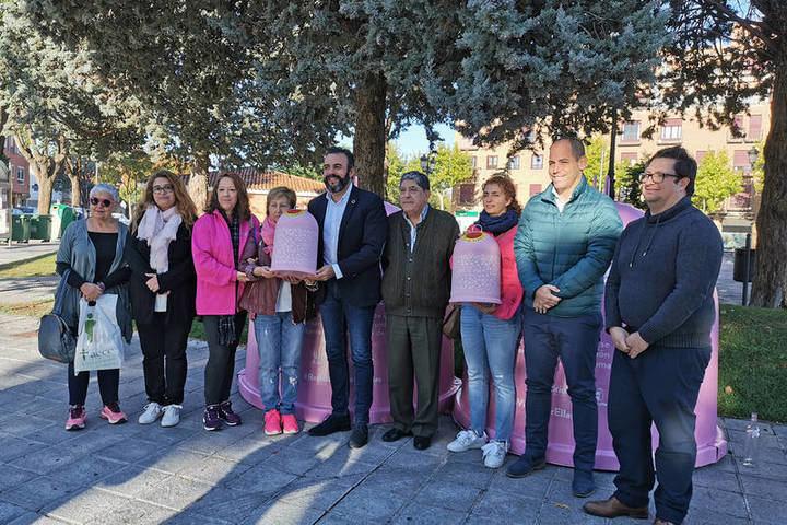 Azuqueca participa en la campaña 'Recicla vidrio por ellas' para recaudar fondos para la investigación sobre el cáncer