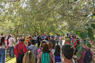 Más de un centenar de personas celebraron el Día de las Aves Migratorias con una visita a la Reserva Ornitológica Municipal de Azuqueca