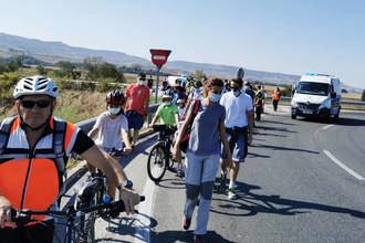 Medio centenar de personas participaron en la ruta a la Reserva