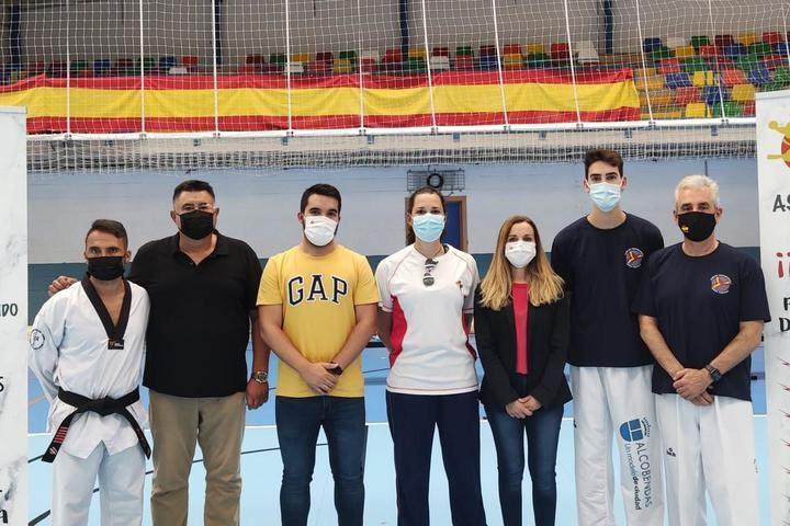 El polideportivo Ciudad de Azuqueca acogió a 300 participantes en el Encuentro de Tecnificación de Taekwondo