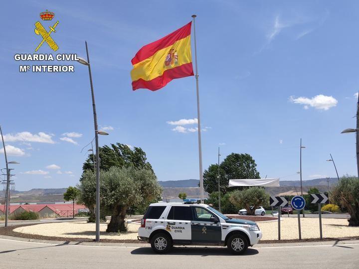 La Guardia Civil investiga a una persona y detiene a otras 4 en Azuqueca por robo con violencia e intimidación, detención ilegal y apropiación indebida