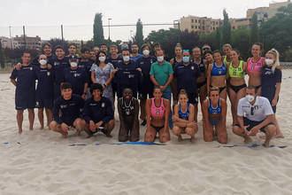 Las selecciones absolutas de Balonmano Playa de Italia han entrenado en Azuqueca